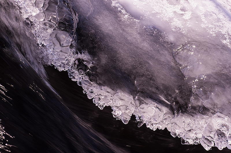 Eis über der Lahn