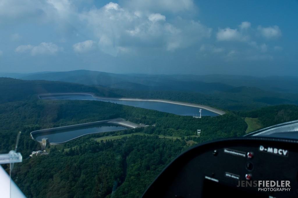 Luftaufnahme des Hochspeicherbeckens am Edersee
